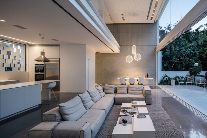 Tel Aviv House by Pitsou Kedem Architects (17)