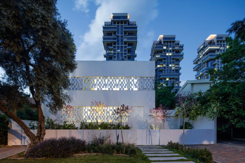 Tel Aviv House by Pitsou Kedem Architects (27)