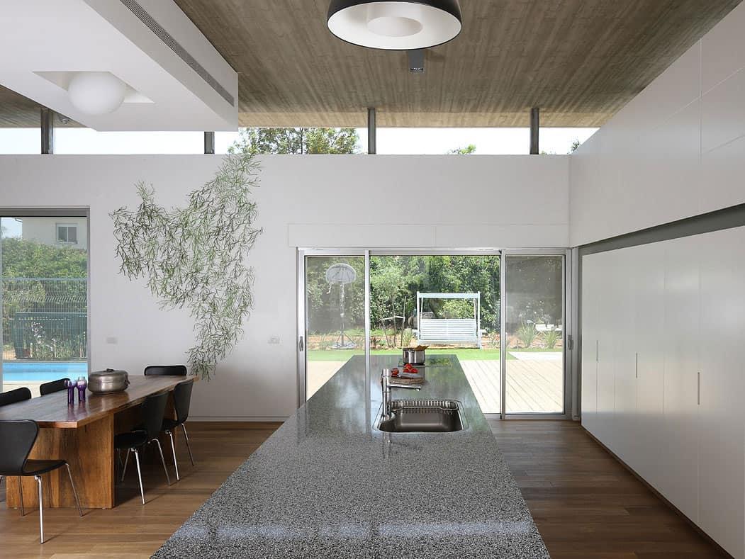 Bnei-Dror House by Amitzi Architects (7)