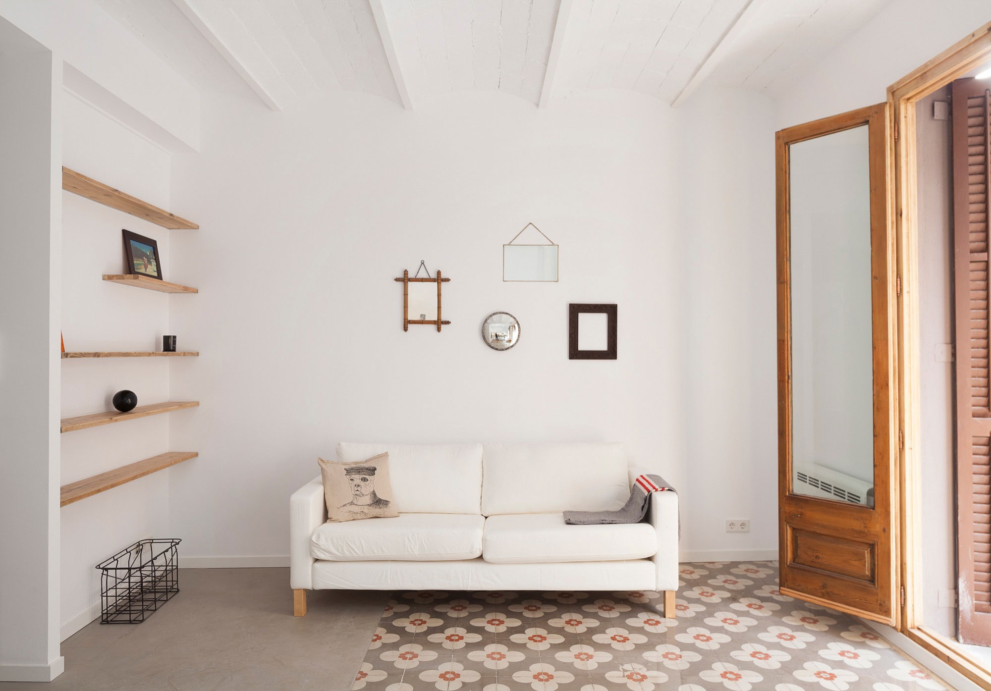 A53 & Marc Mazeres Come Together to Create a Bright and Luminous Home in La Barceloneta