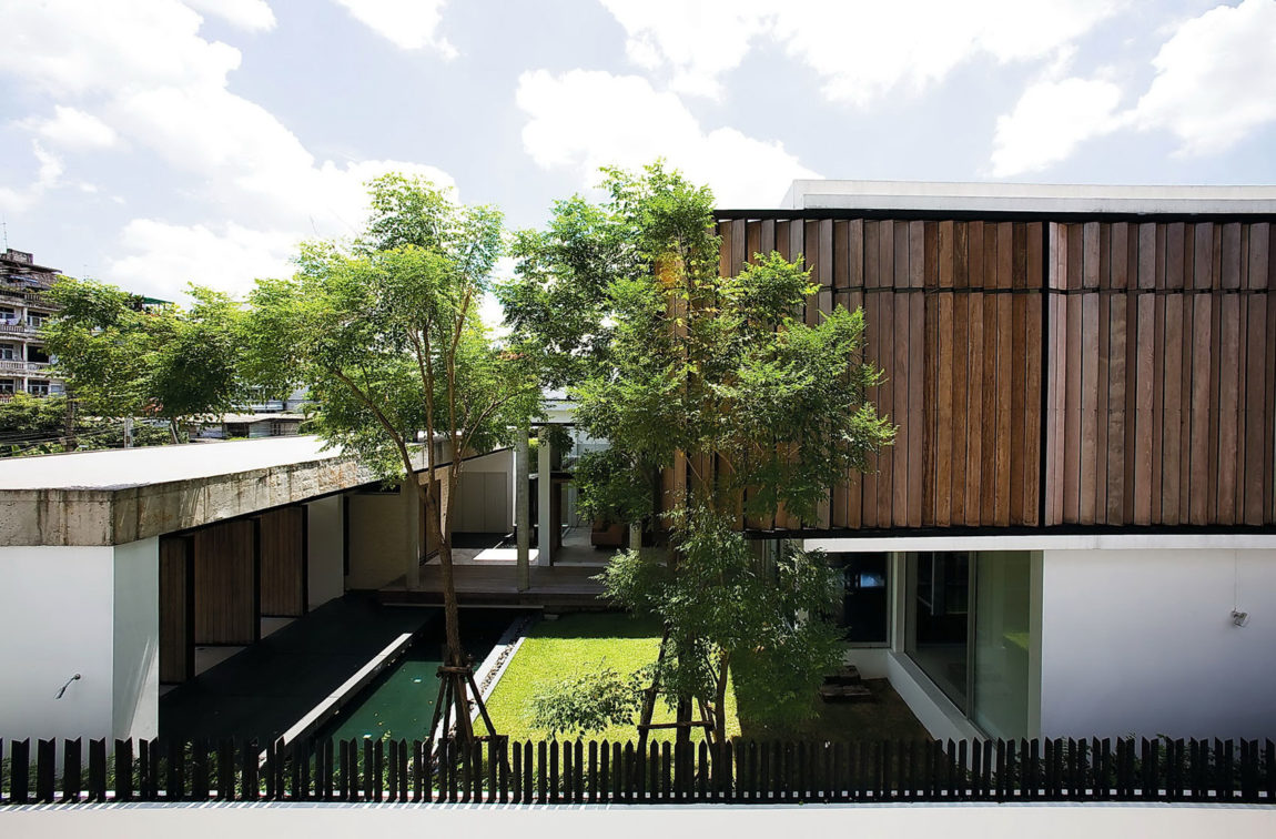 Dindang House by Archimontage Design Fields Soph (1)