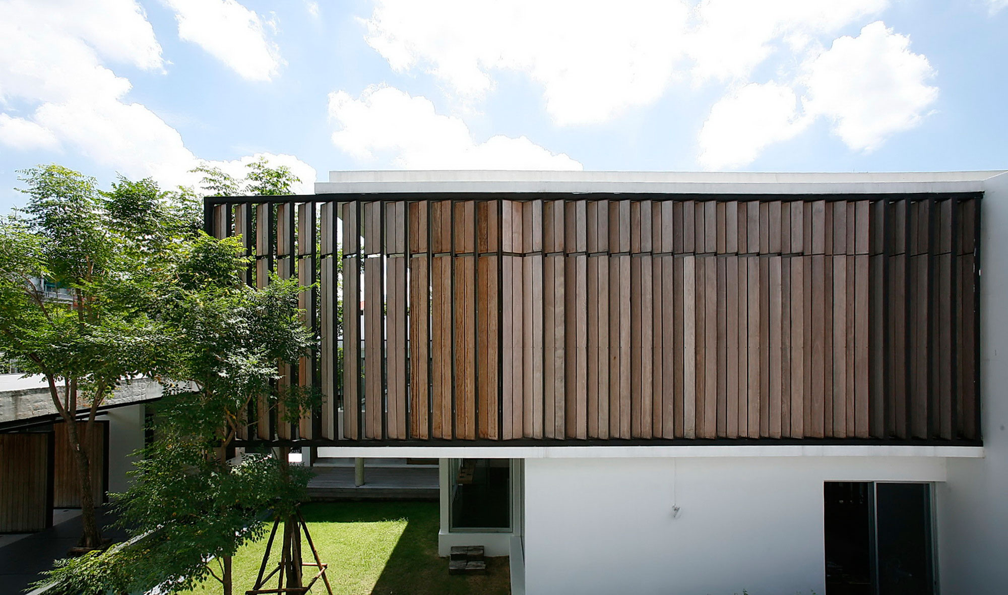 Dindang House by Archimontage Design Fields Soph (2)