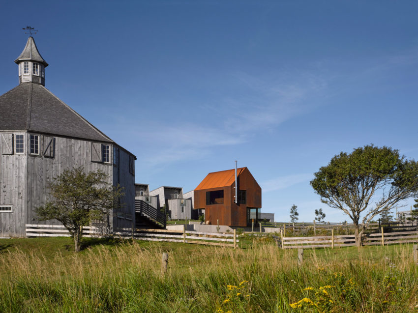 Enough House by MacKay-Lyons Sweetapple Architects (1)