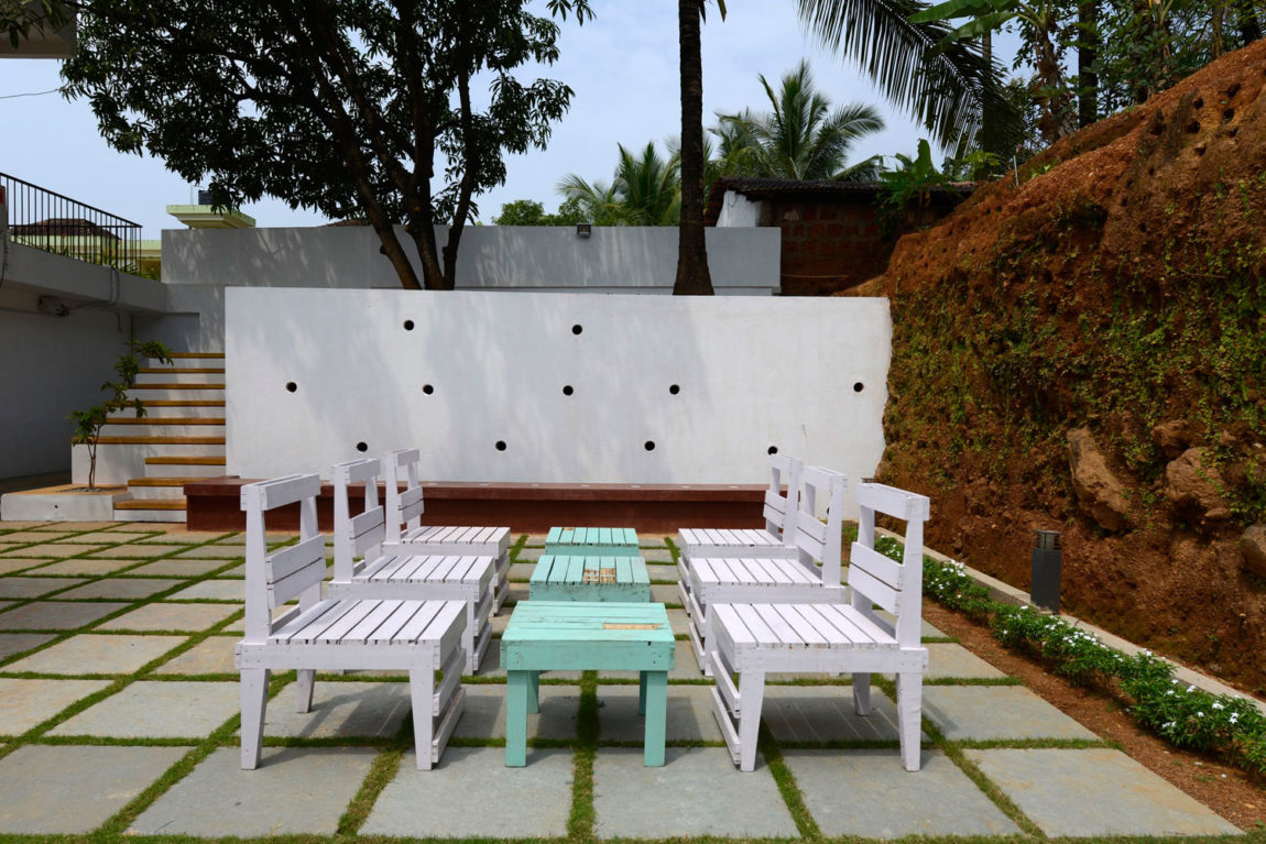 House in Goa by Ankit Prabhudessai (3)