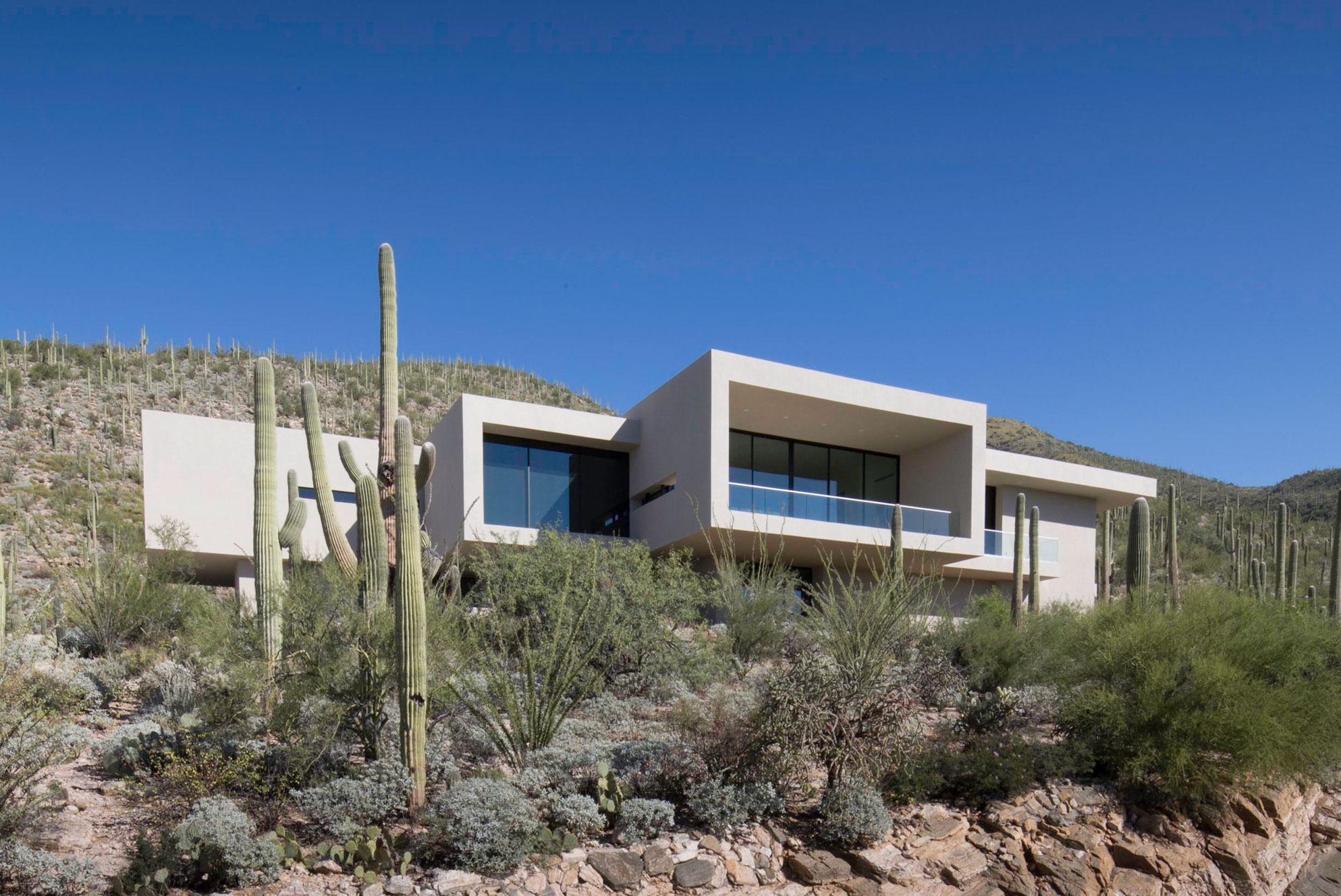 Stunning Kevin B Howard Architects Design a House in the Foothills of Tucson Arizona