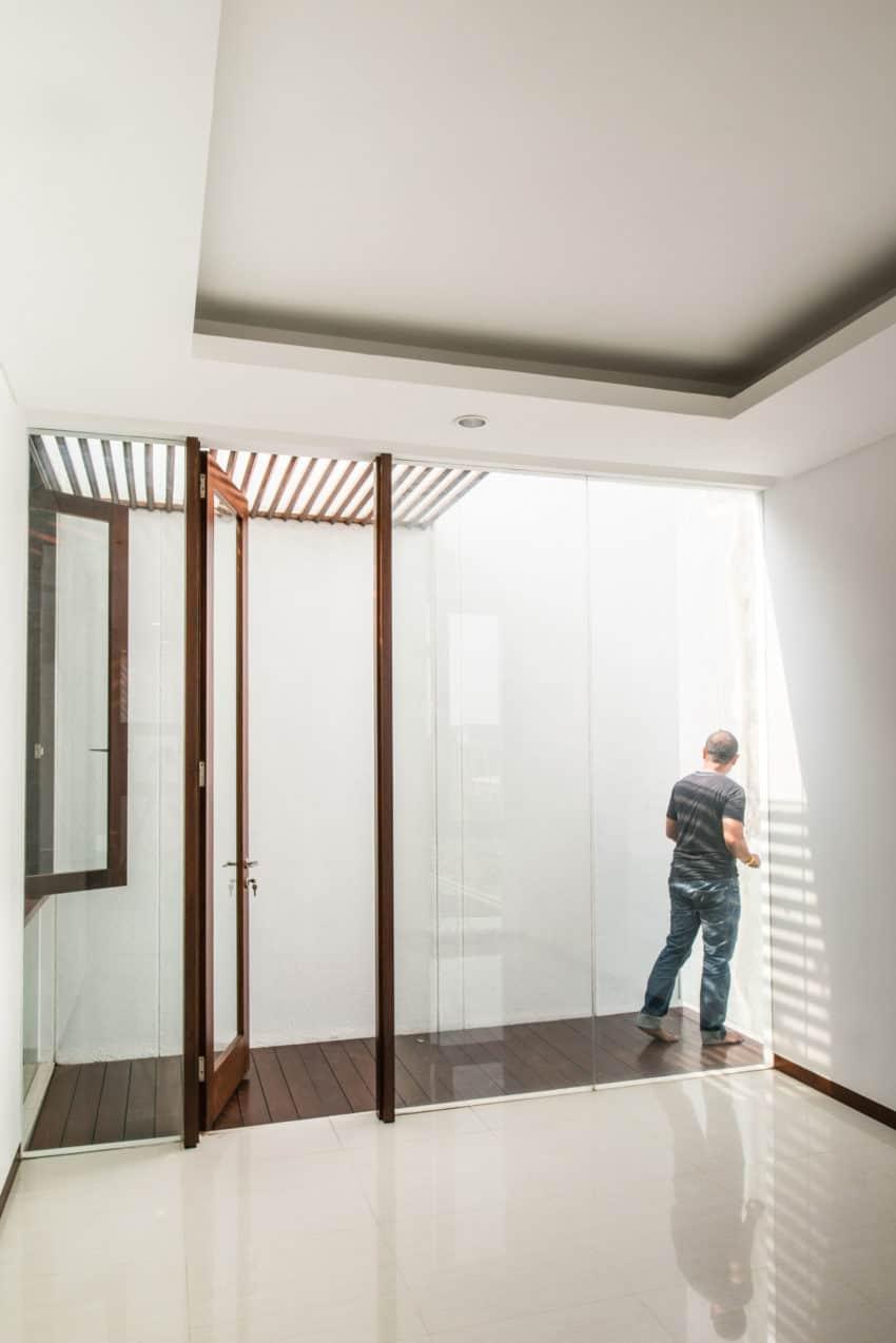 Spouse House by Parametr Architecture (14)
