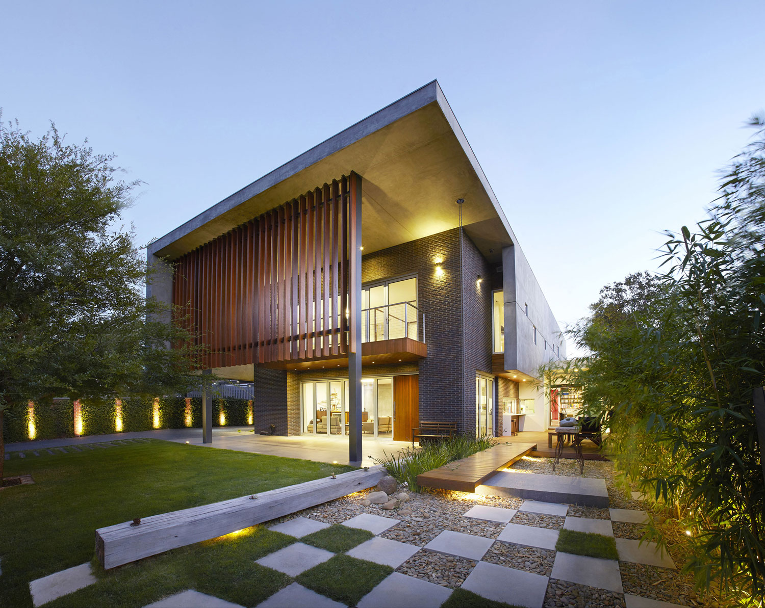 Wolf Architects Create an Elegant Contemporary Residence in Victoria, Australia