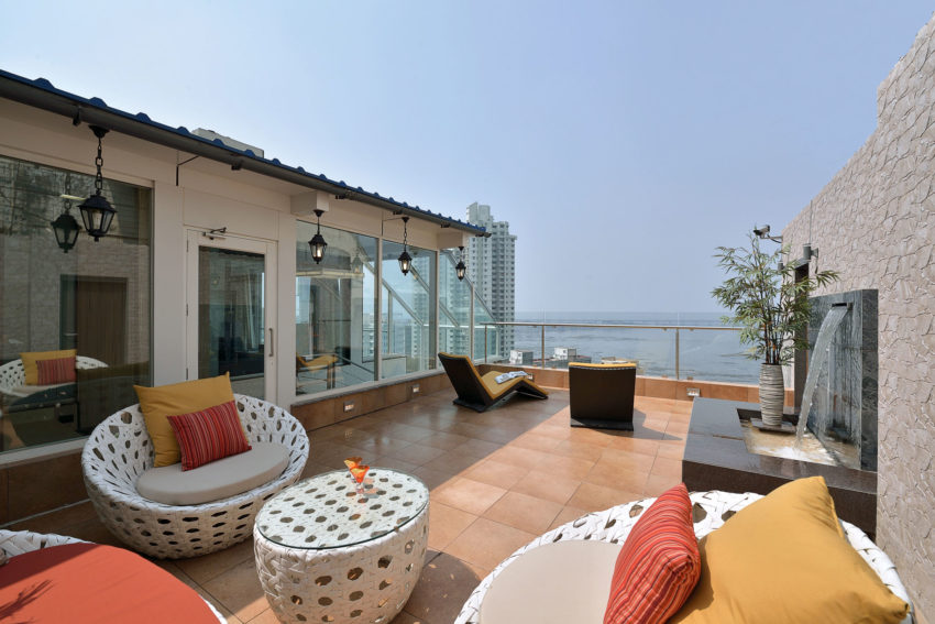 A Sea Facing Triplex Penthouse In Mumbai India