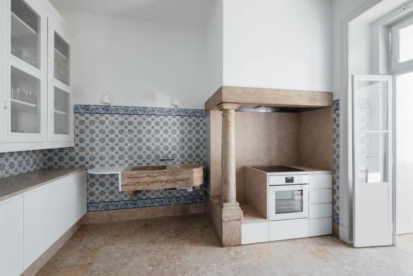 Apartment in Estrela by Aurora Arquitectos (10)