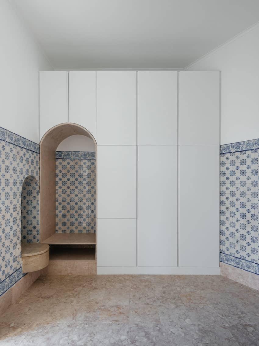 Apartment in Estrela by Aurora Arquitectos (12)