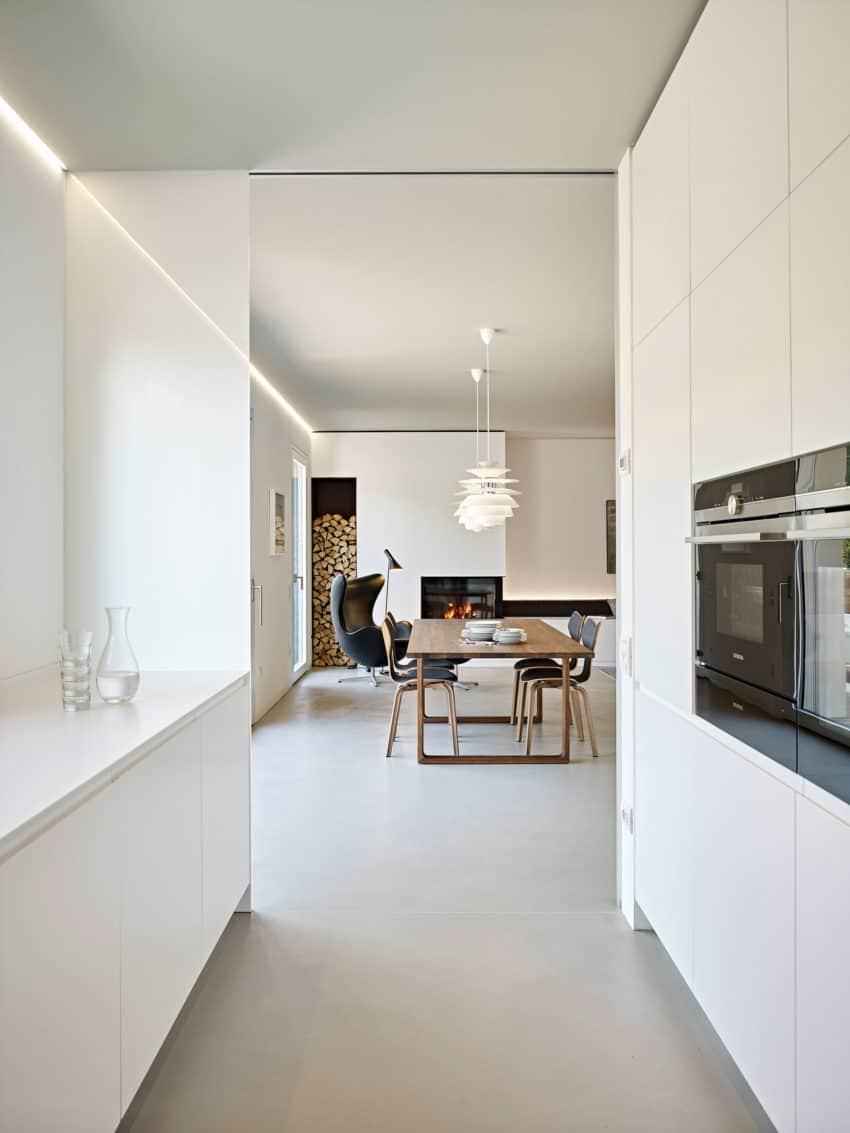 CW Apartment by Burnazzi Feltrin Architetti (12)