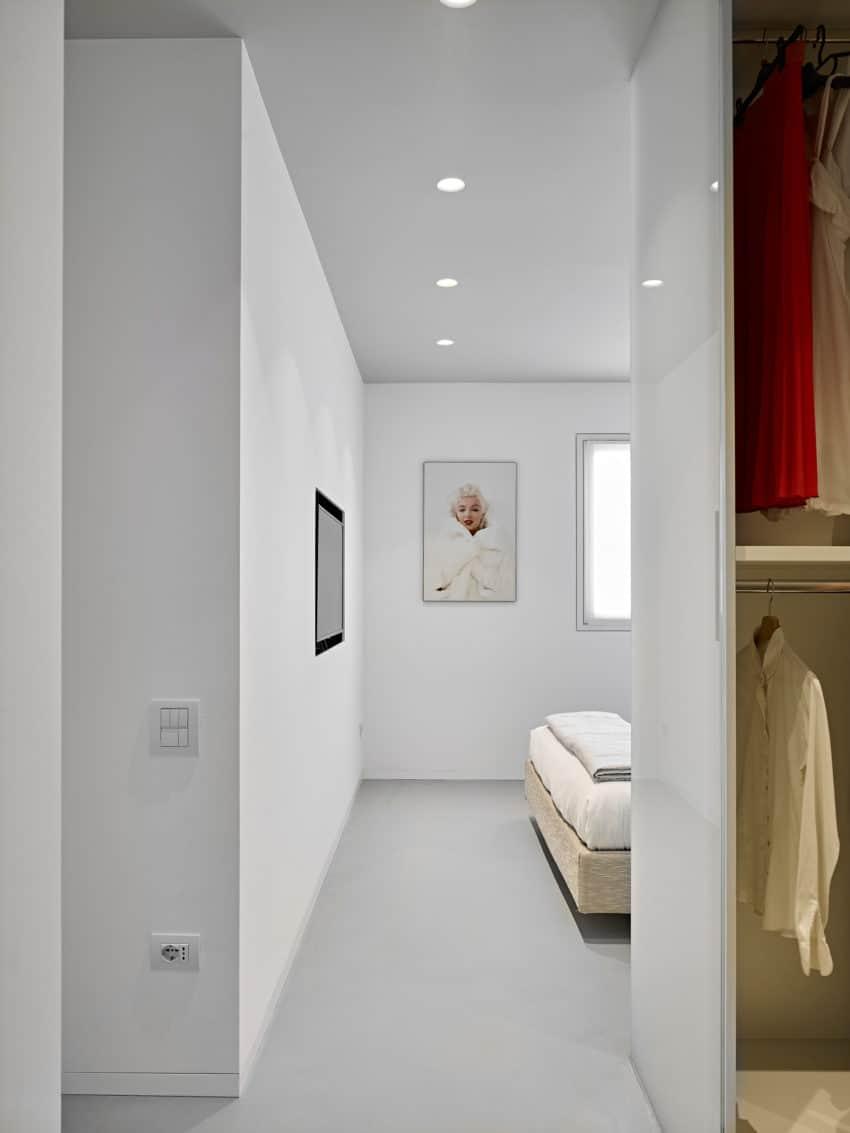 CW Apartment by Burnazzi Feltrin Architetti (16)