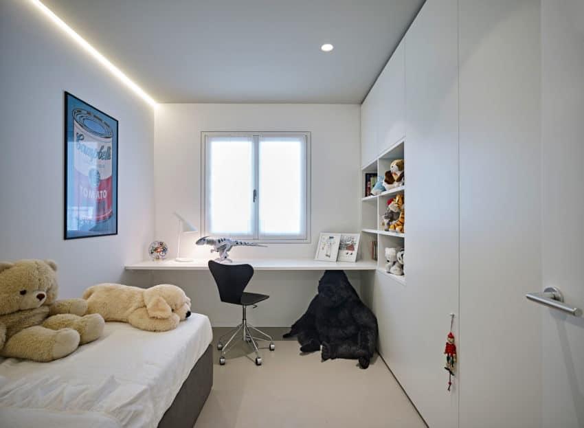 CW Apartment by Burnazzi Feltrin Architetti (19)