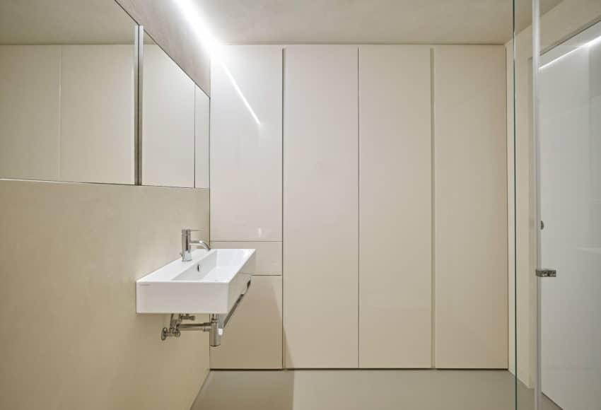 CW Apartment by Burnazzi Feltrin Architetti (20)