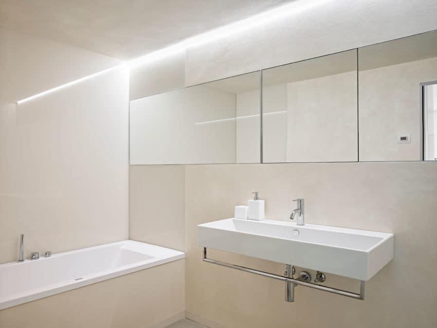 CW Apartment by Burnazzi Feltrin Architetti (21)