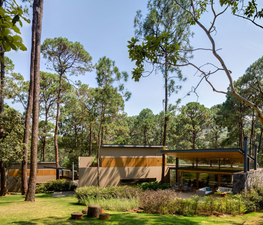 Five Houses by Weber Arquitectos (1)