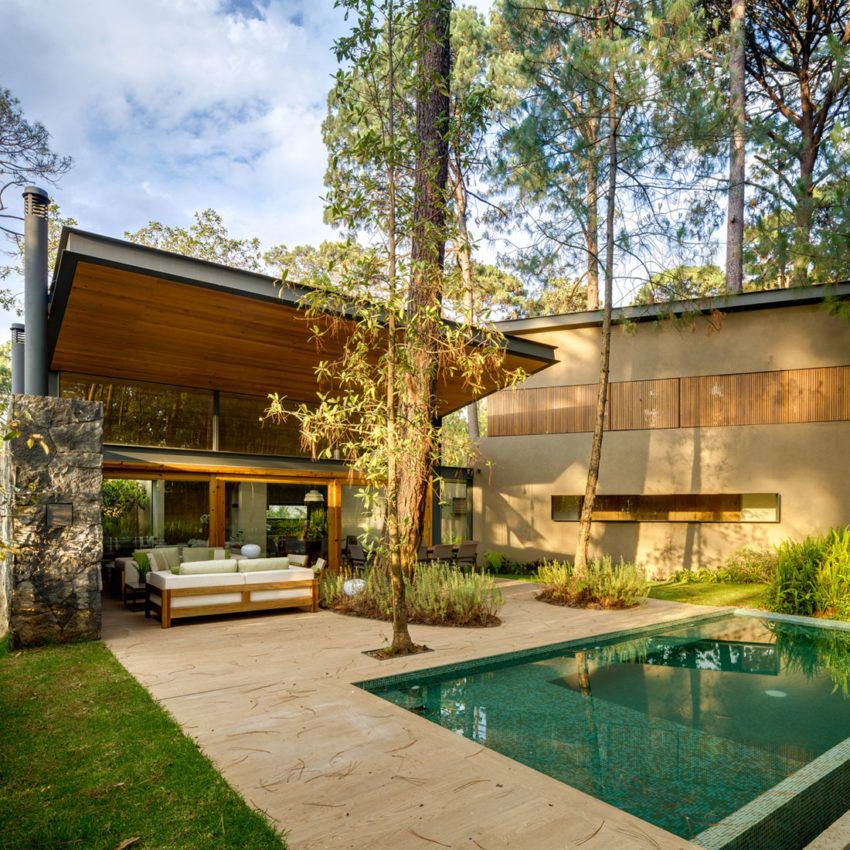 Five Houses by Weber Arquitectos (5)