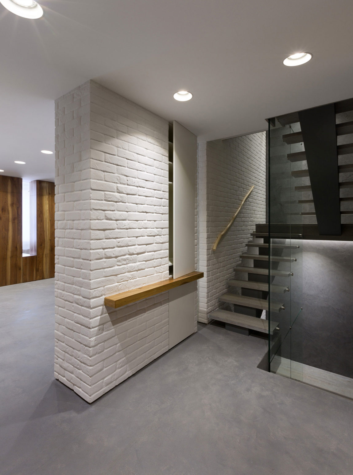 Four-Level Apartment in Kiev by Ryntovt Design (10)