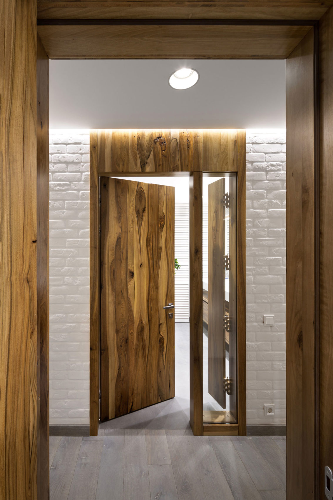 Four-Level Apartment in Kiev by Ryntovt Design (27)