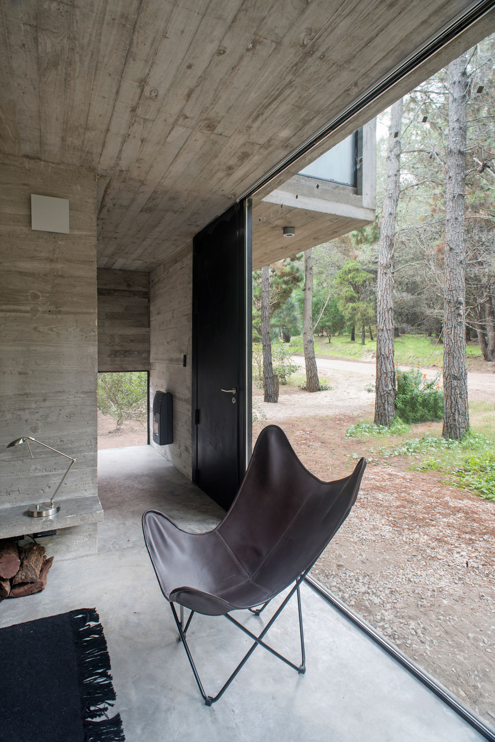 H3 House by Luciano Kruk (11)