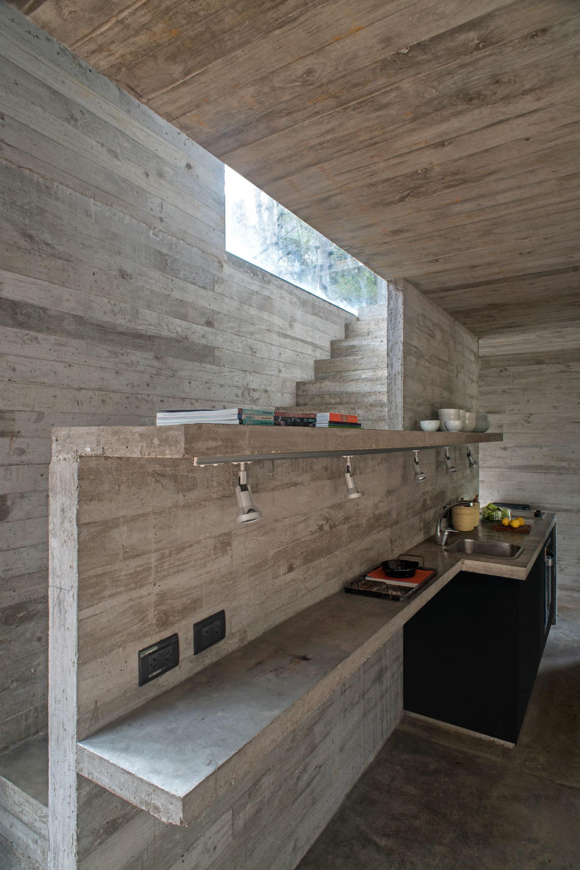 H3 House by Luciano Kruk (16)