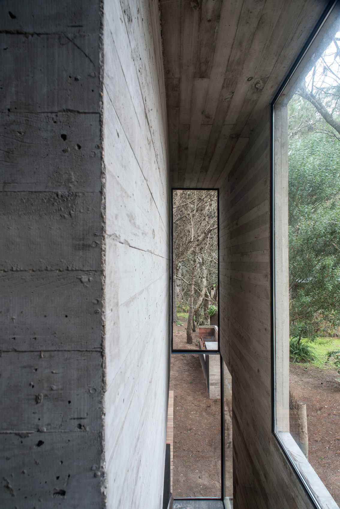 H3 House by Luciano Kruk (18)