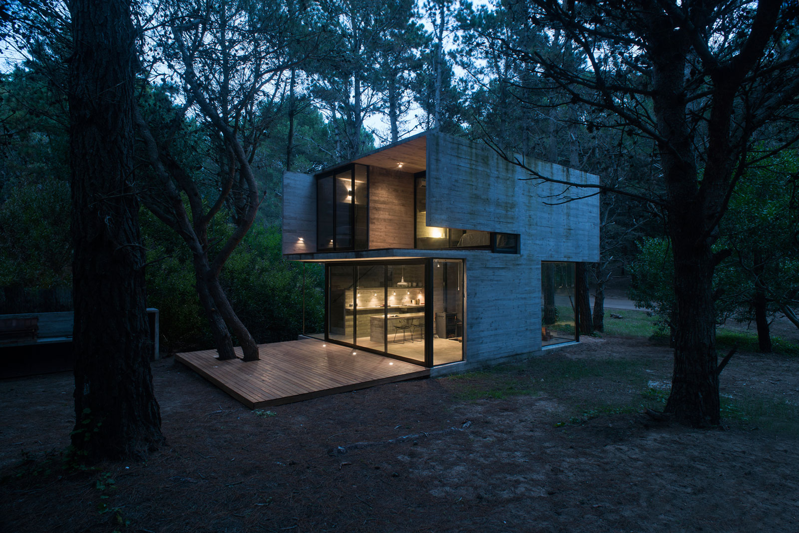 Luciano Kruk Designs a Home in the Seashore Town of Mar Azul, Argentina
