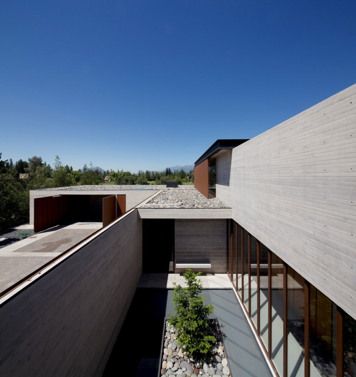 House in Linderos by Cristian Hrdalo (2)