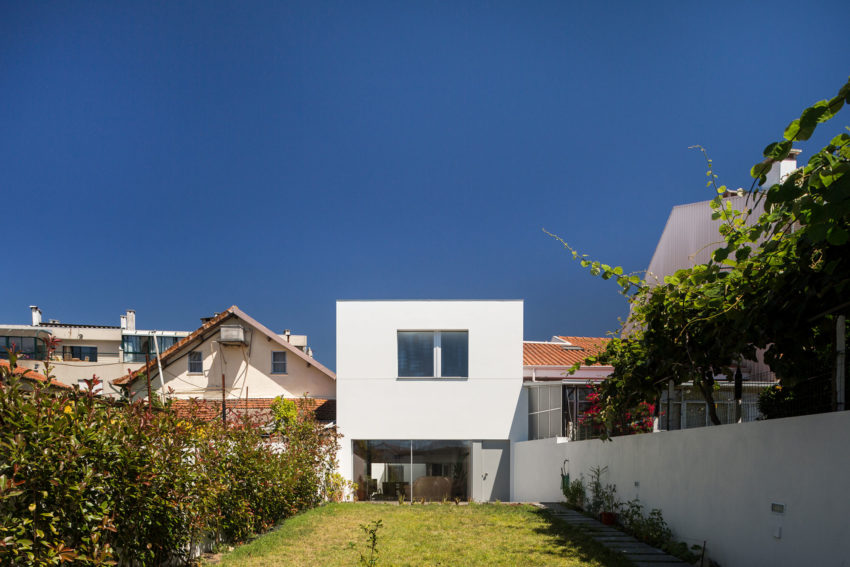 House in Matosinhos by nu.ma (16)