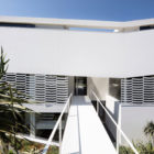 J House by Pitsou Kedem Architects (5)
