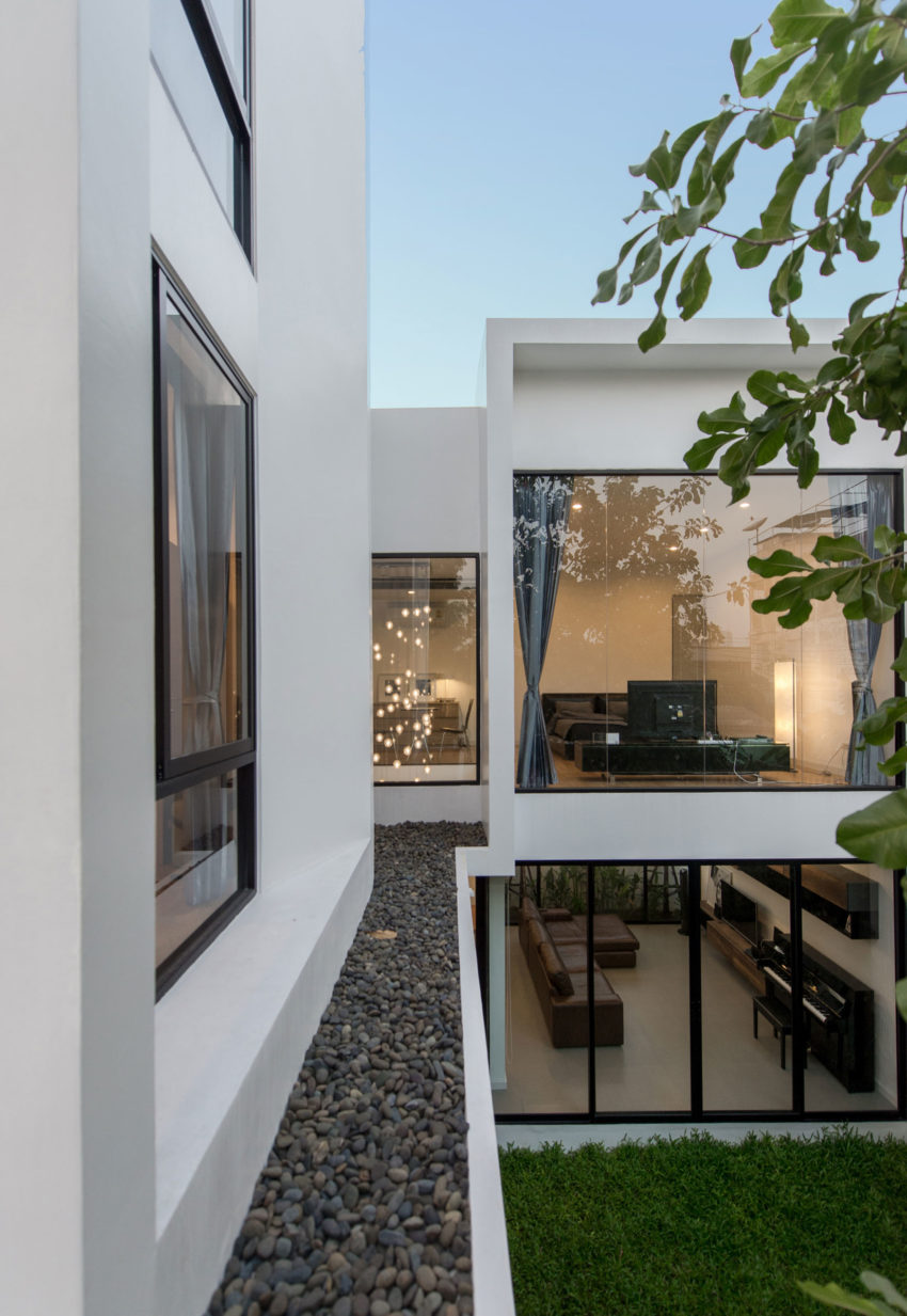 Kradoan House by Thiti Ophatsodsa (25)
