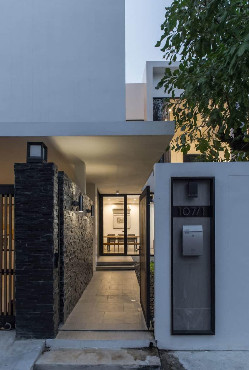 Kradoan House by Thiti Ophatsodsa (35)