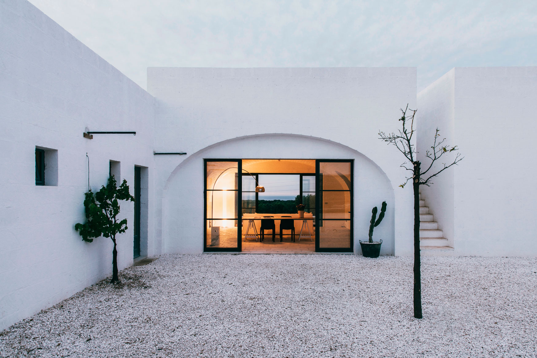 Andrew Trotter Studio Designs a Modern Day Farmhouse in Ostuni, Italy