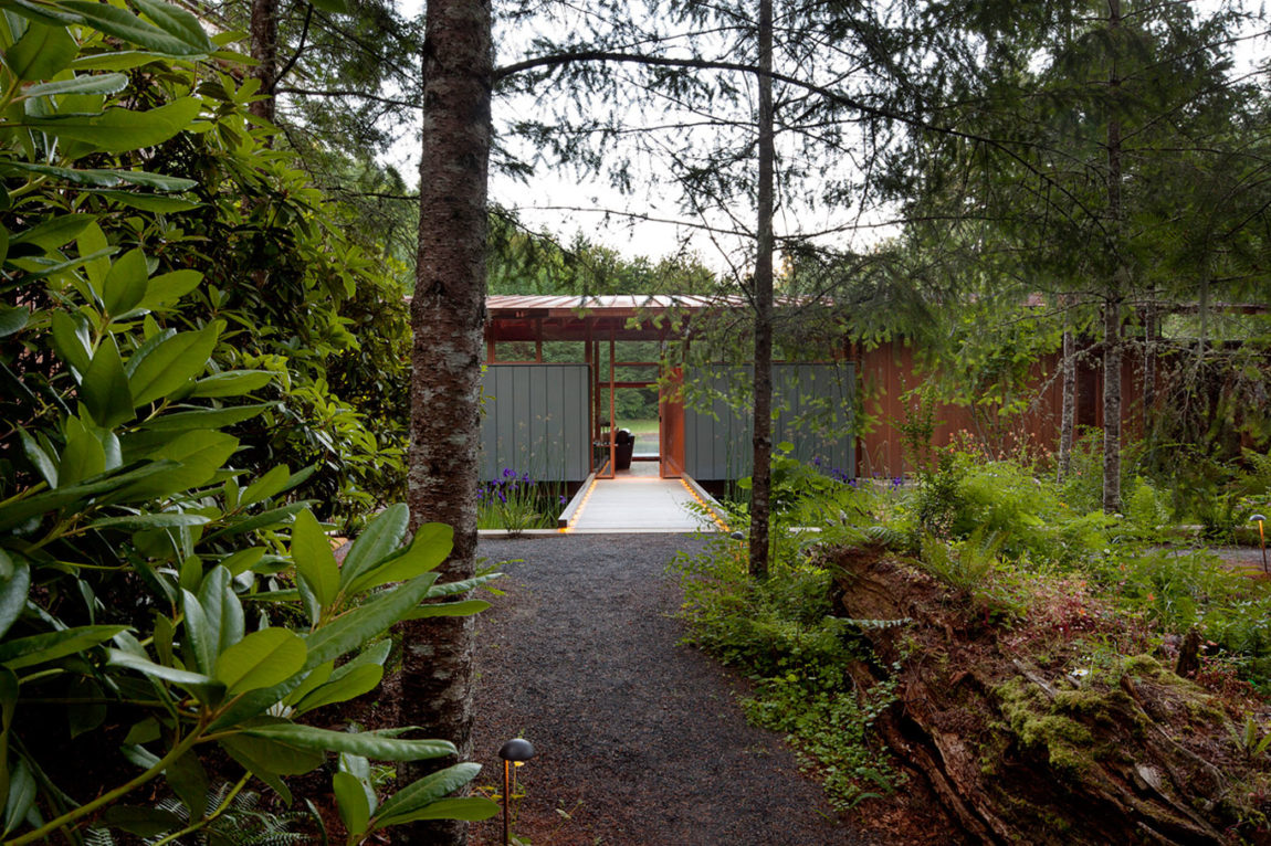 Newberg Residence by Cutler Anderson Architect (2)