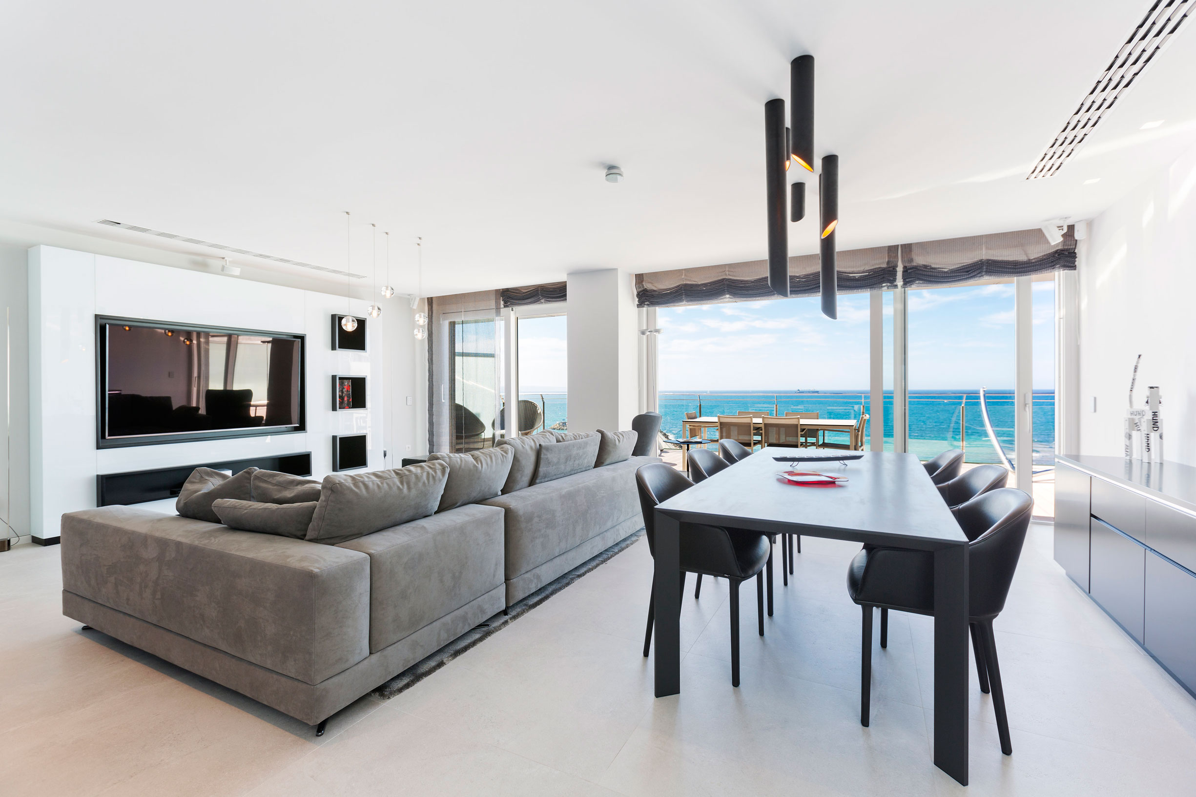 Bornelo Interior Design Creates a Stunning Penthouse with Spectacular Views in Palma de Mallorca