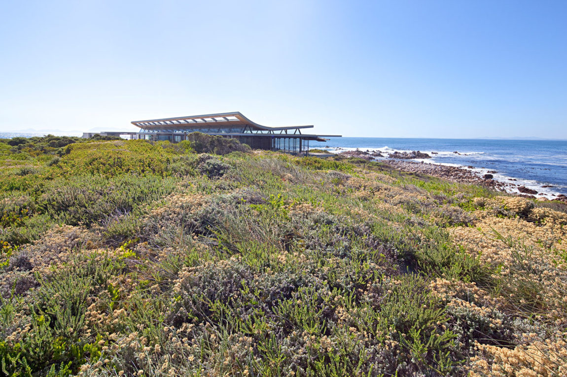 Rooiels Beach House by Elphick Proome Architects (2)