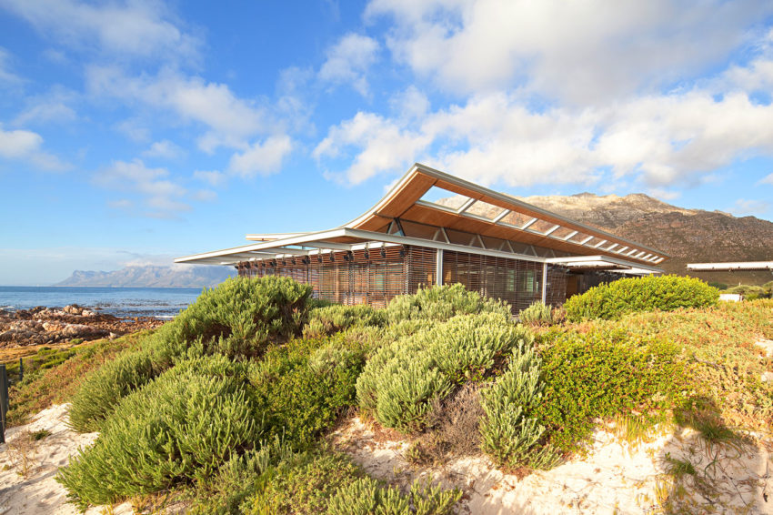 Rooiels Beach House by Elphick Proome Architects (3)