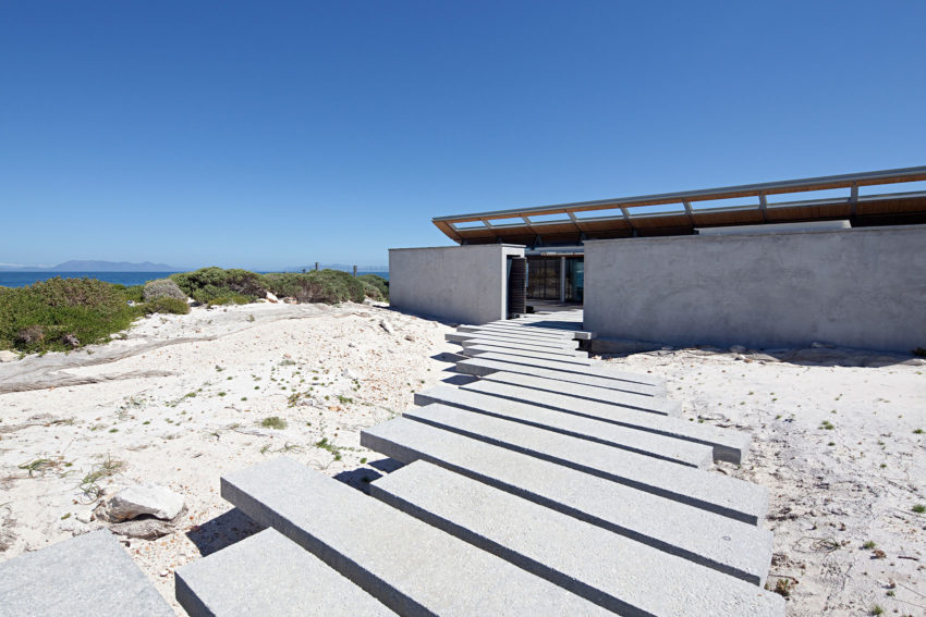 Rooiels Beach House by Elphick Proome Architects (6)