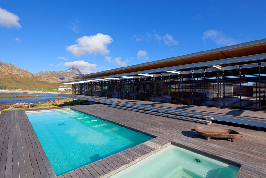 Rooiels Beach House by Elphick Proome Architects (9)