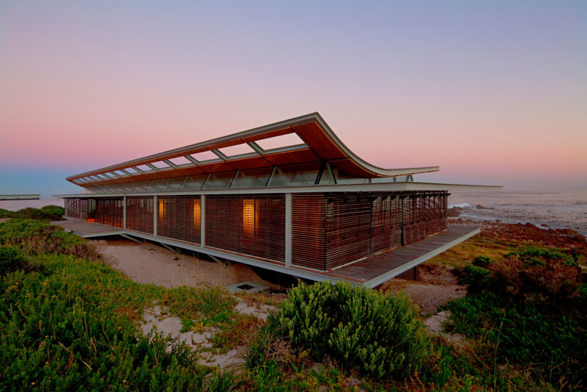 Rooiels Beach House by Elphick Proome Architects (30)