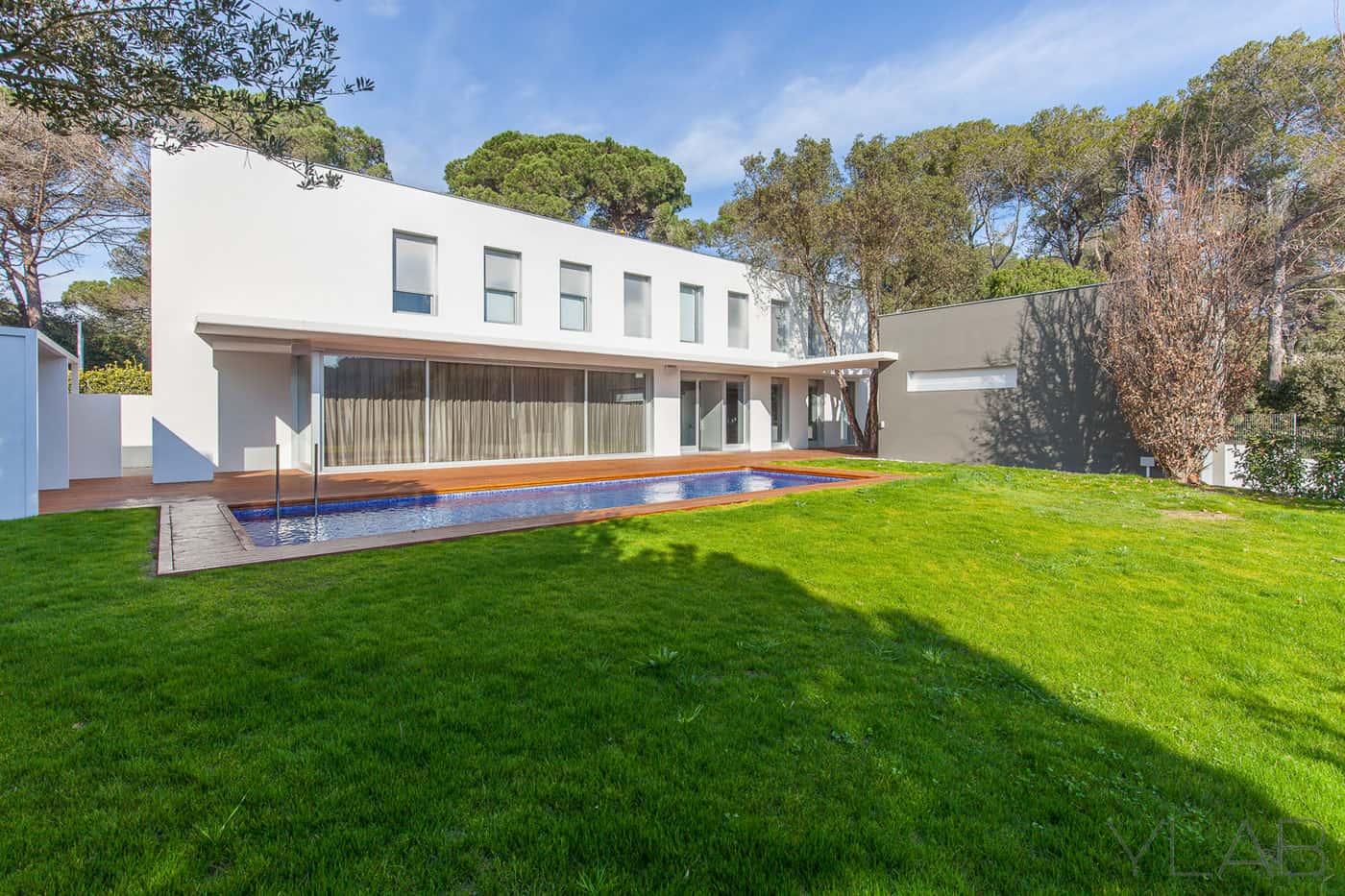 YLAB Arquitectos Barcelona Design a Home in Cataluña for a Scandinavian Family