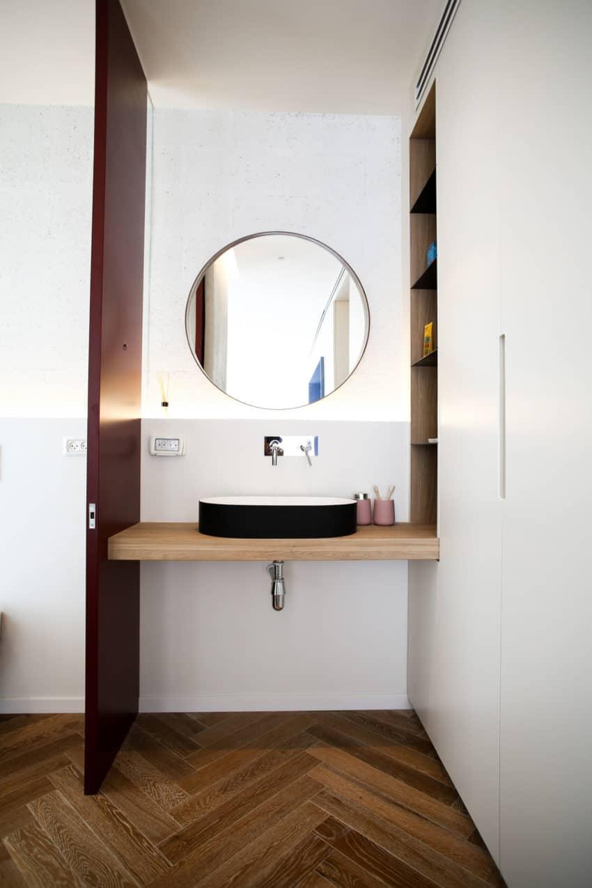 Tlv PH Apartment by Dori Interior Design (24)