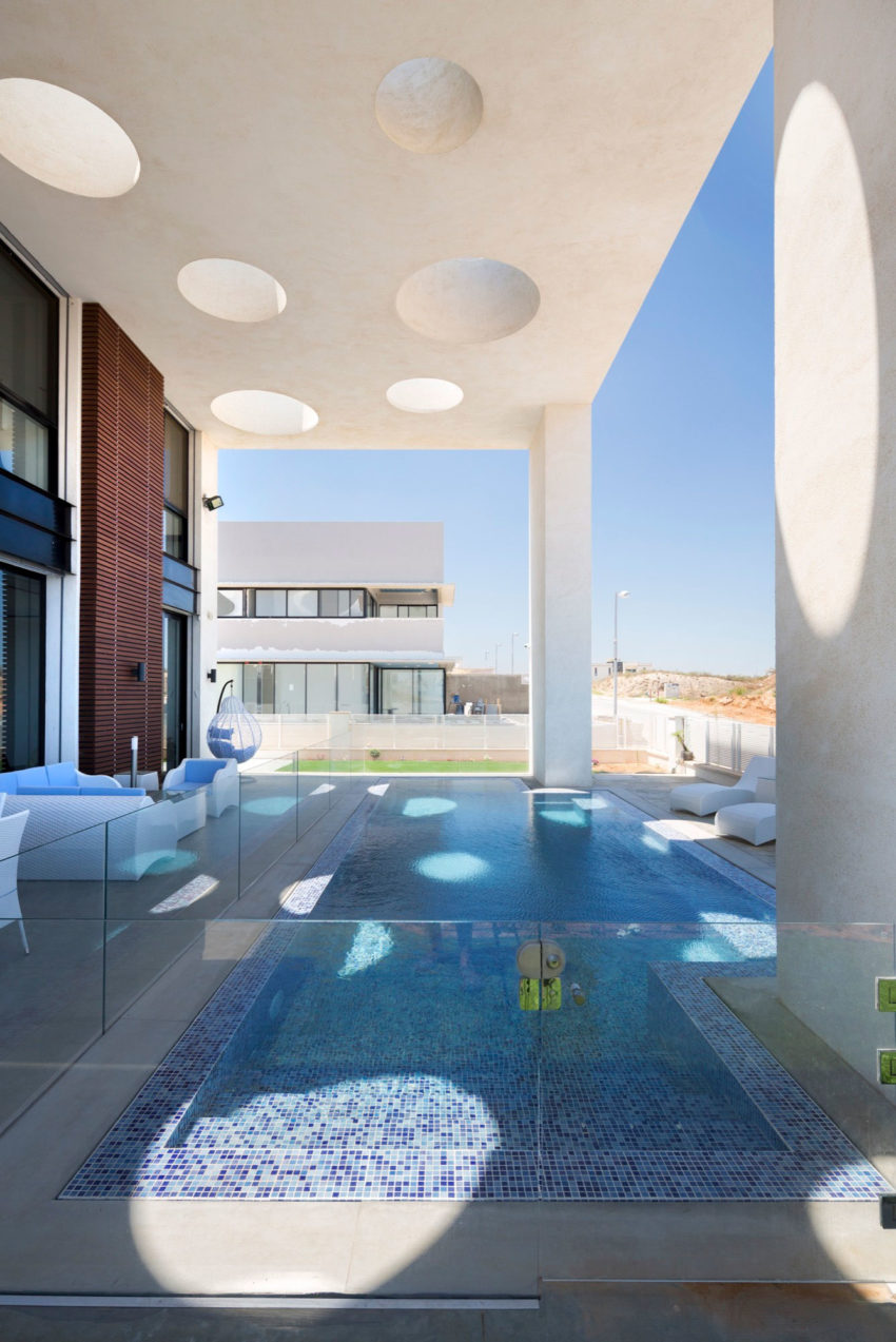 A House in Irus by Dan and Hila Israelevitz Architects (2)