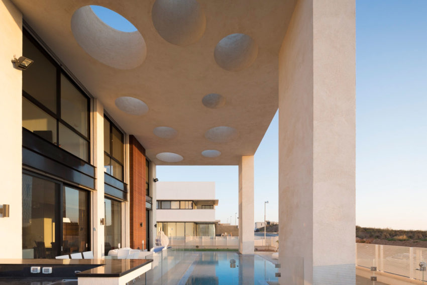 A House in Irus by Dan and Hila Israelevitz Architects (3)