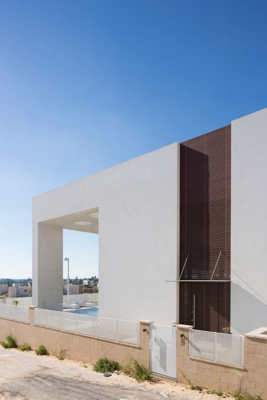 A House in Irus by Dan and Hila Israelevitz Architects (9)