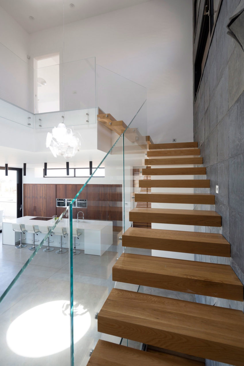 A House in Irus by Dan and Hila Israelevitz Architects (28)