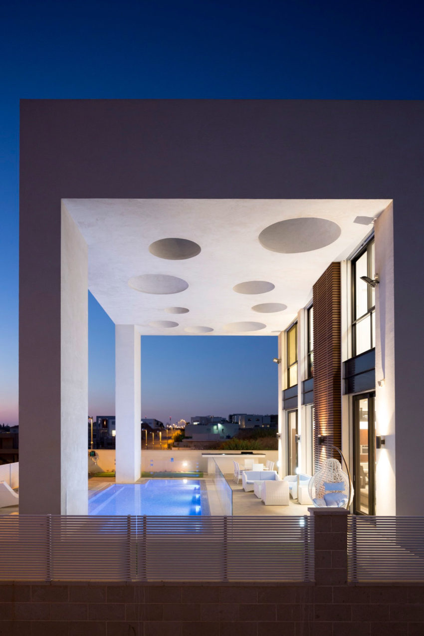 A House in Irus by Dan and Hila Israelevitz Architects (32)