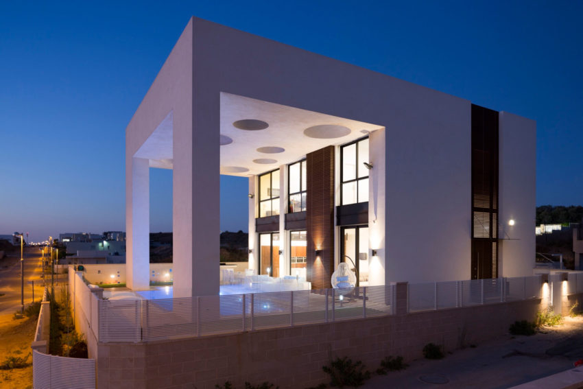 A House in Irus by Dan and Hila Israelevitz Architects (33)
