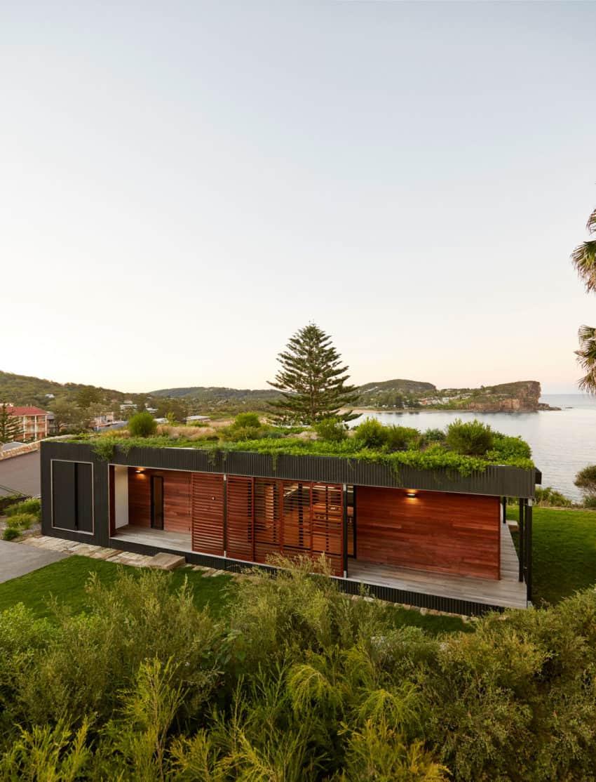 ArchiBlox Designs a Contemporary Home in Avalon Beach, Australia