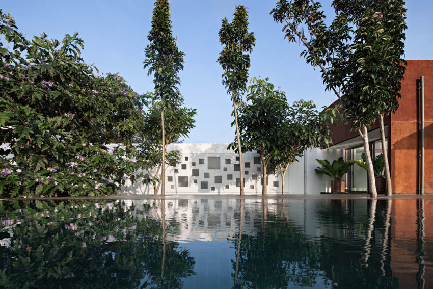 BRG House by Tan Tik Lam Architects (2)